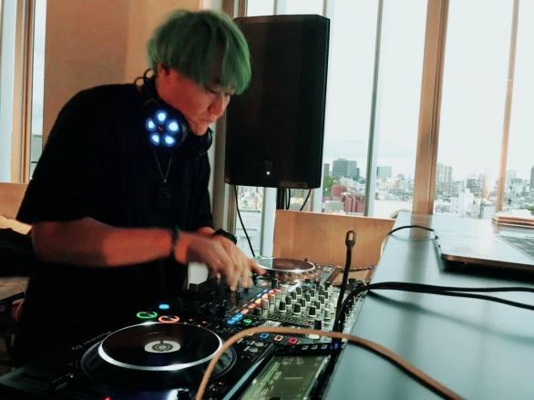 DJ れぐるす。